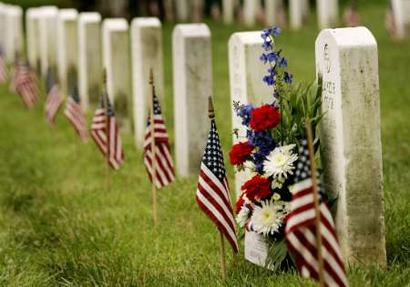 http://www.tech-notes.tv/2009/Common_Pix/flags-in-memorial-day.jpg